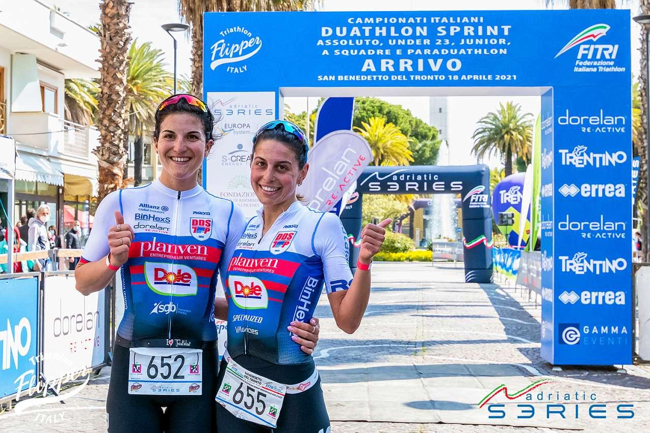 Campionati Italiani Duathlon Sprint San Benedetto del Tronto, 18 aprile 2021: al traguardo Luisa Iogna-Prat e Sharon Spimi